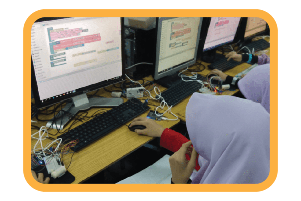 The FIRST STEM Robotic education programme to implement Bahasa Melayu option in the programming solution